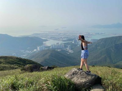 Hiking Dragon's Back boasts spectacular views and amazing natural scenery